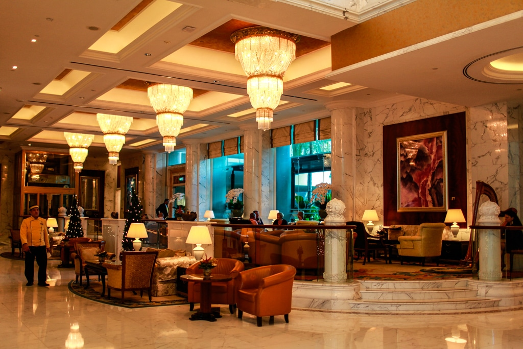 Lobby of the Valley Wing in Shangri-La Singapore
